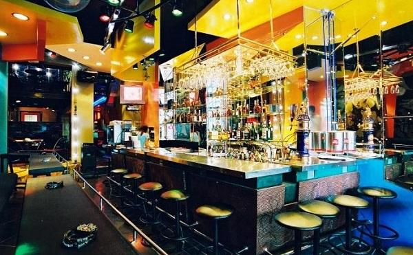 Âm thanh phục vụ quán bar tiêu chuẩn
