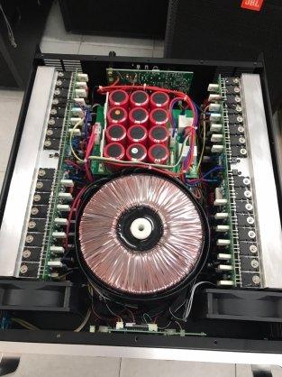 Cấu trúc bên trong Cục đẩy công suất ATI A-2500 PLUS