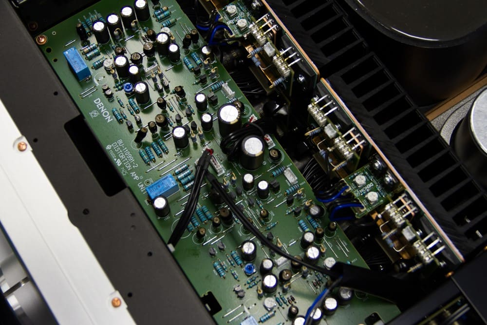 Amply Denon PMA SX1 cấu trạo bên trong
