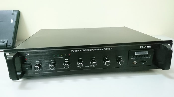 Thiết kế chắc chắc của amply DB LP-150F