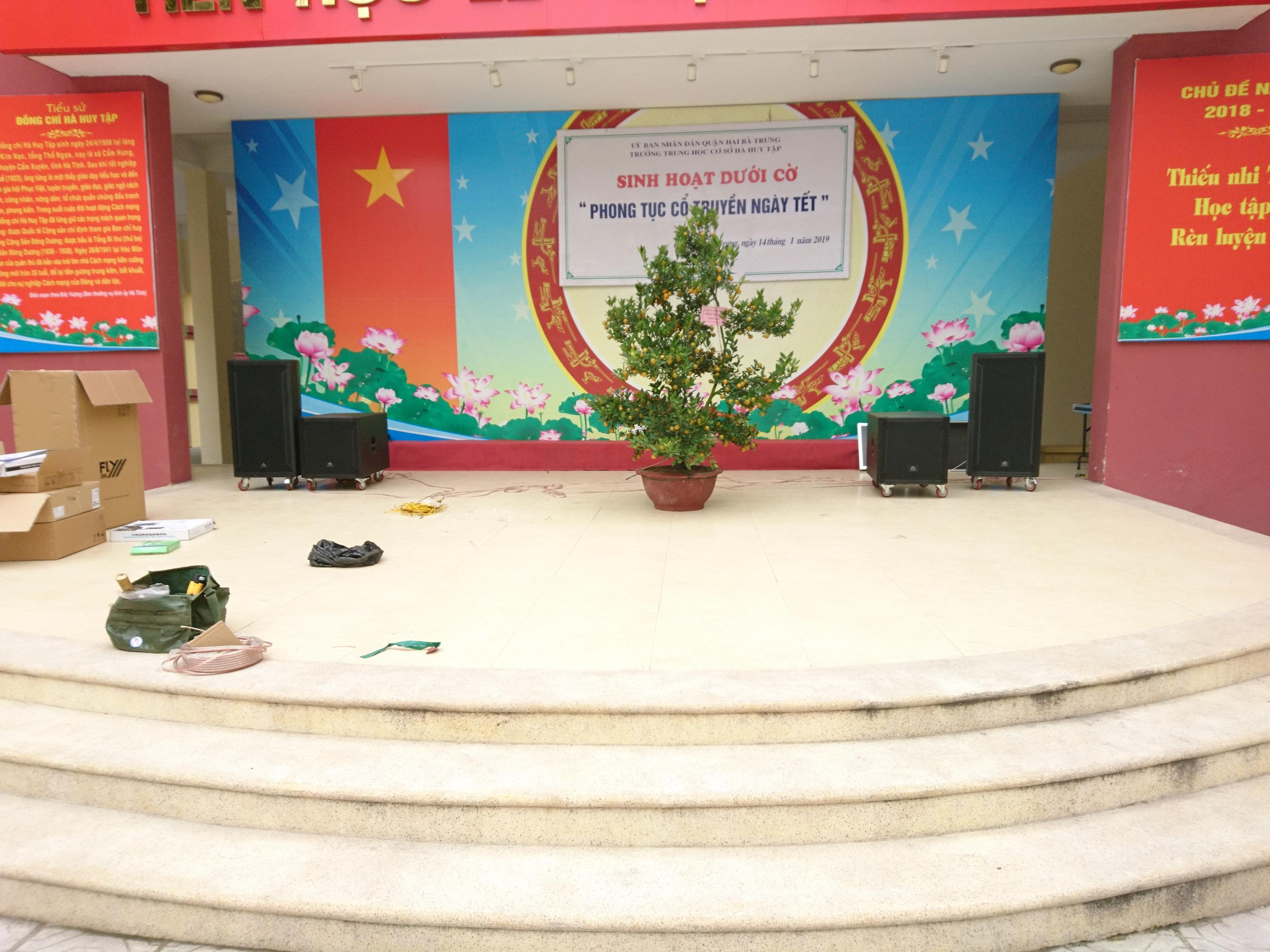 Loa hội trường Hà Huy Tập
