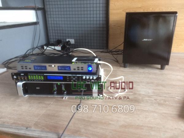 Hệ thống âm thanh xử lý chất lượng cao gồm cục đẩy, và vang số DB