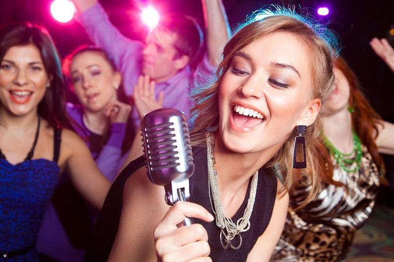 5 cách giúp bạn luyện giọng để hát hay như ca sĩ