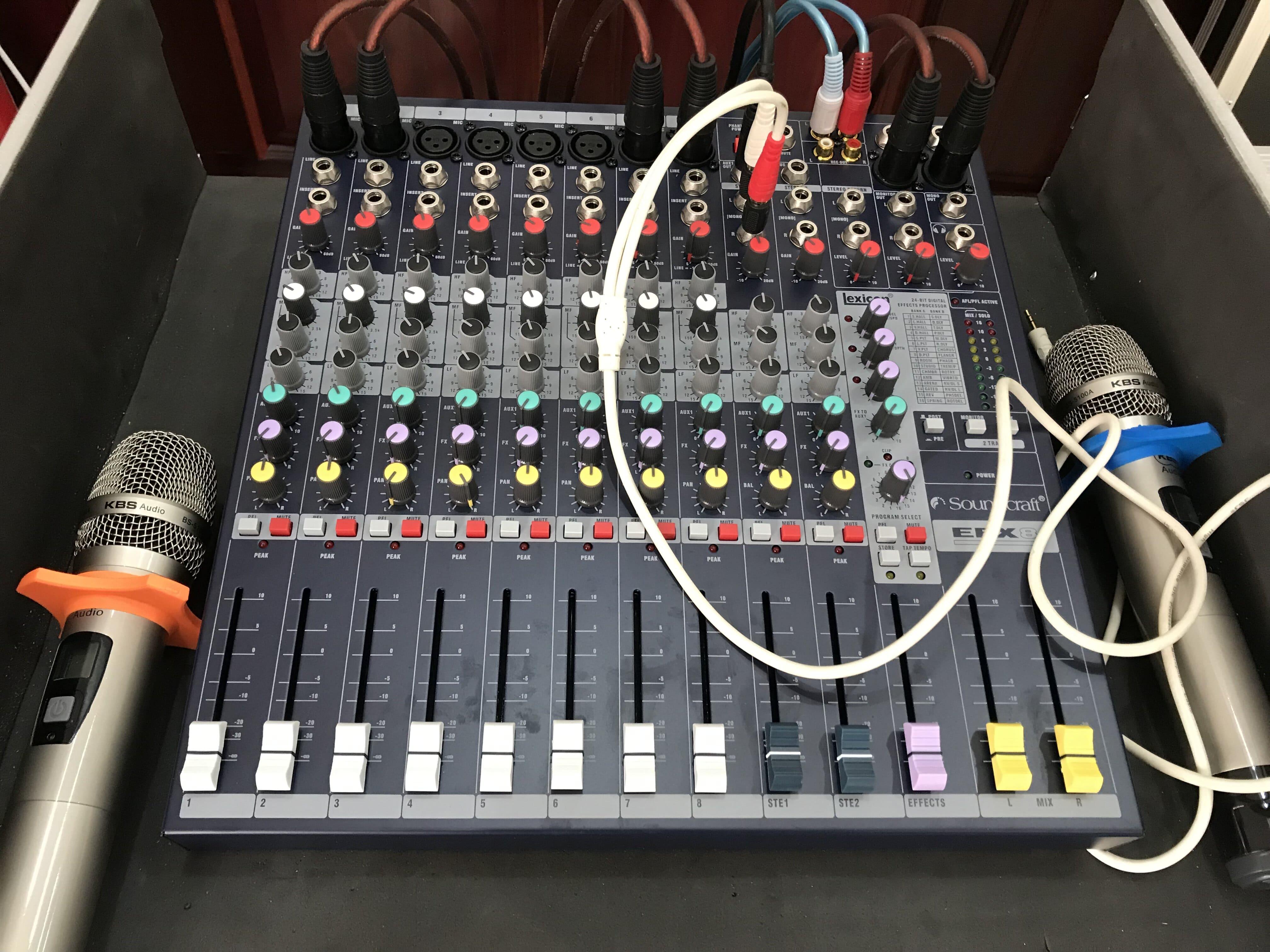 Bàn mixer soucraft efx8