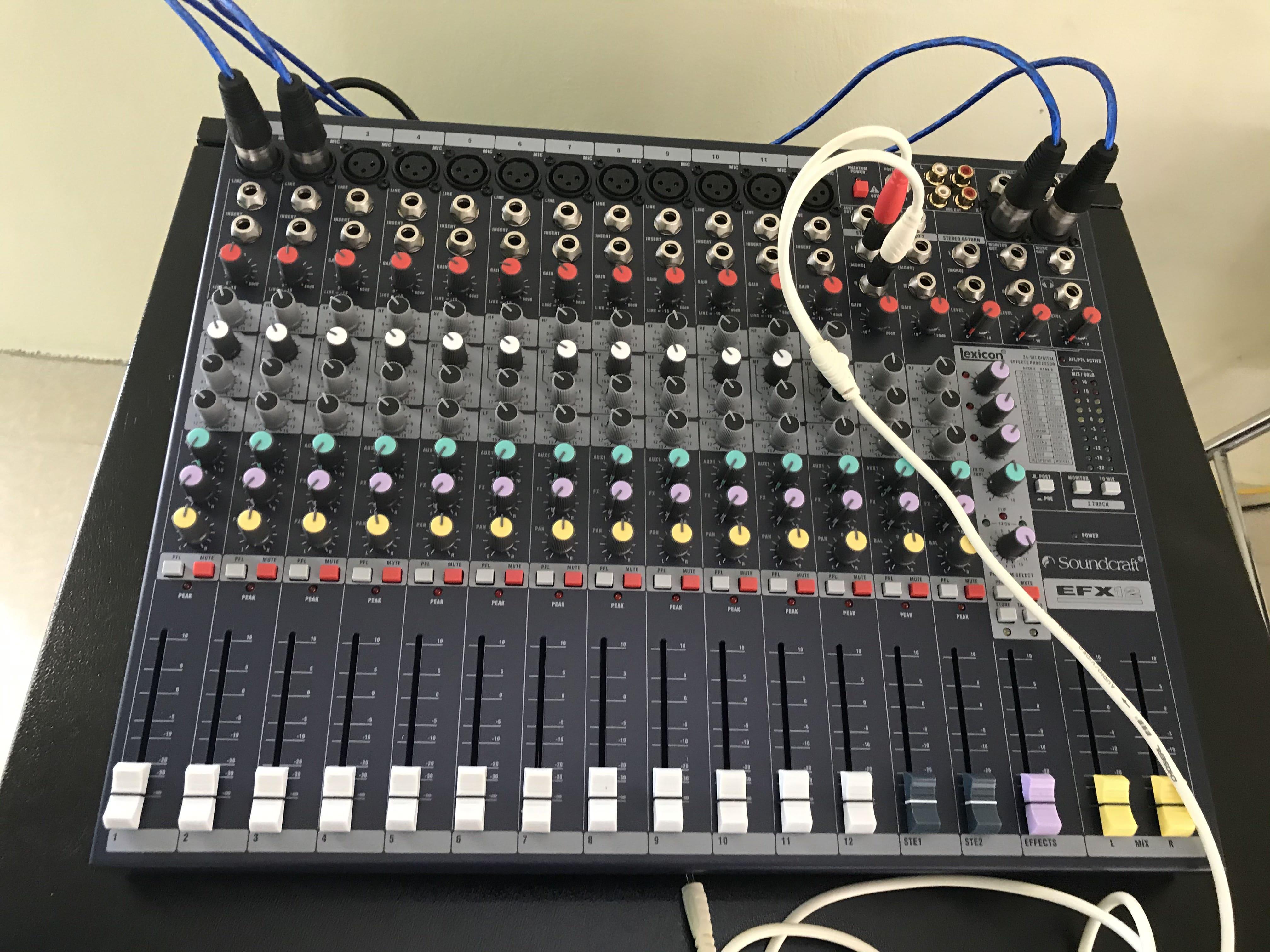 Bàn mixer Souncraft EFX12