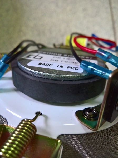 Linh kiện bên trong loa 10W DB-TS303