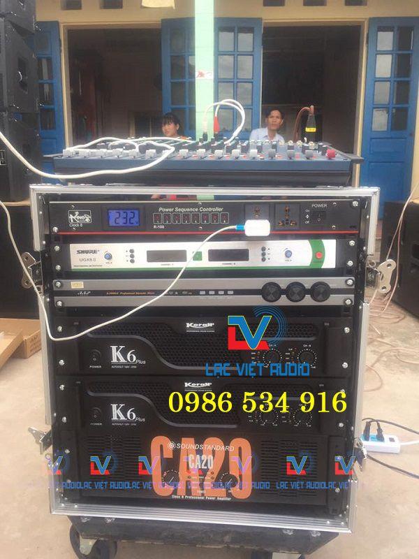 Lắp đặt toàn bộ các thiết bị điều khiển và tủ rack âm thanh