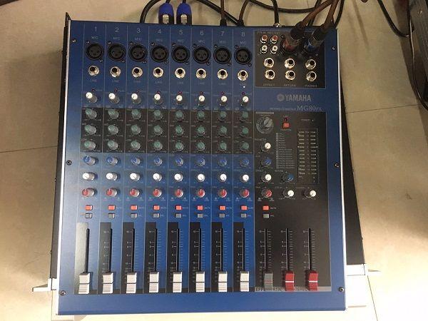 Bàn mixer yamaha MG80FX sử dụng 8 line