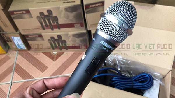 Cận cảnh sản phẩm micro có dây Shupu SR-79 tại Lạc Việt Audio