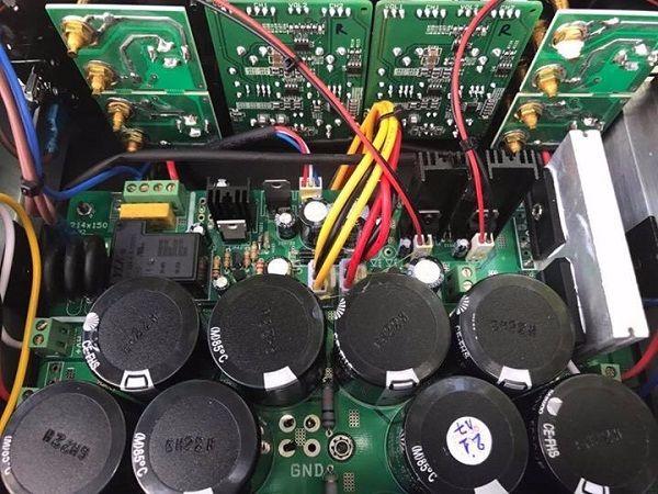 Nội thất bên trong cục đẩy ROY RS804