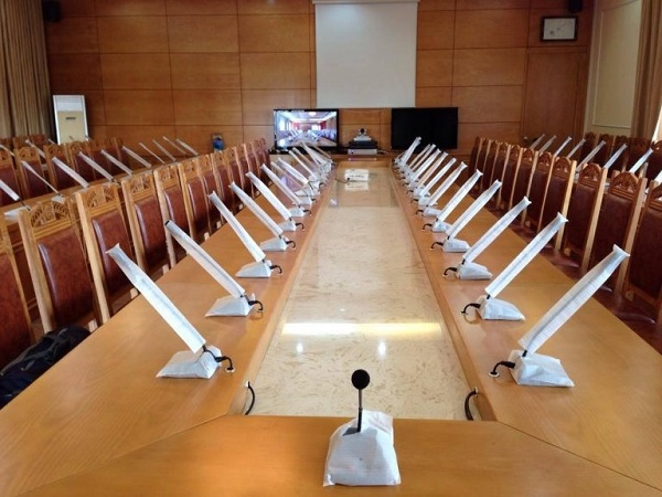 Lắp đặt hệ thống micro đại biểu cho phòng họp