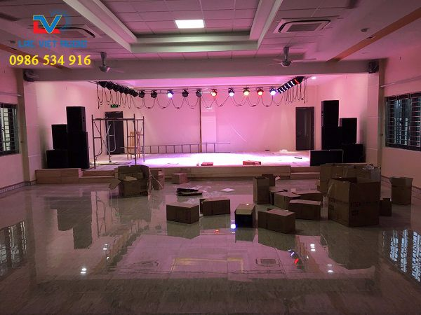 Hệ thống âm thanh và hệ thống ánh sáng phục vụ hội trường với mức đầu tư 170 triệu