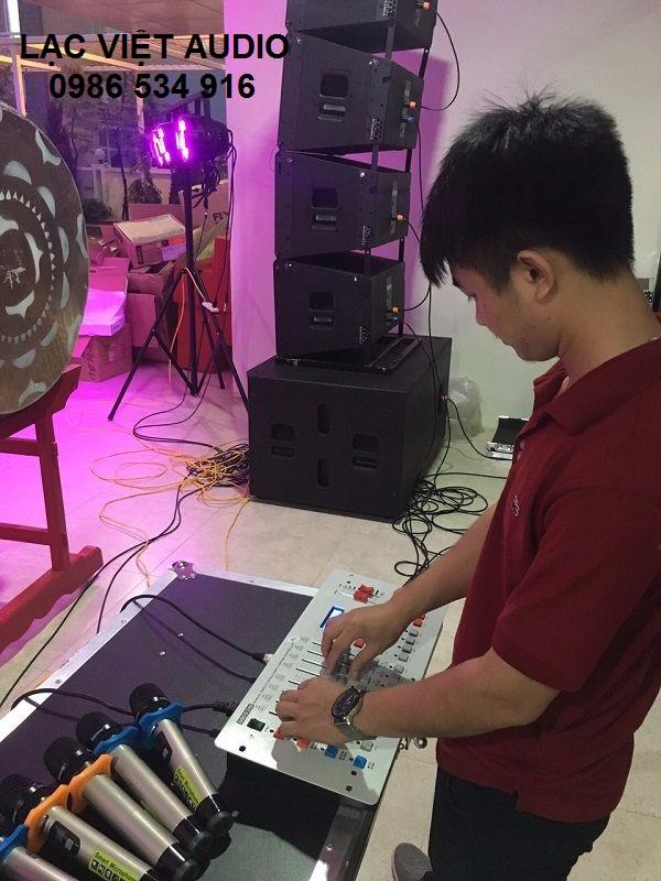 Hệ thống âm thanh và ánh sáng được vận hành trơn chu tại trường