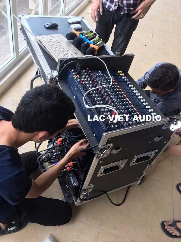 Quá trình lắp đặt âm thanh diễn ra rất xuôn sẻ
