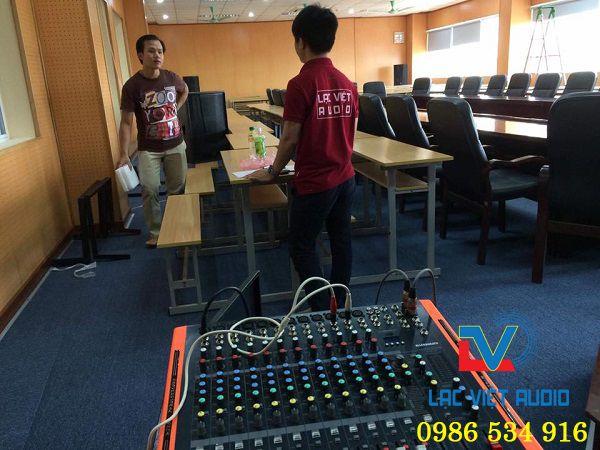 Dàn âm thanh cho phòng họp của trường Đại Học Dệt May Hà Nội