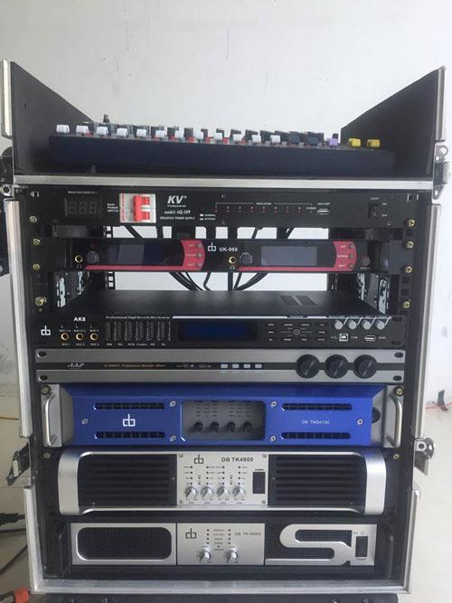 Hệ thống tủ máy cho dàn loa array