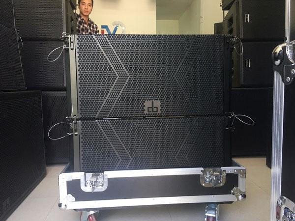 Loa array DB LA212F tại Lạc Việt Audio
