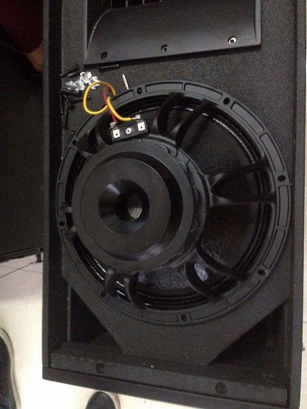 Bass loa Array Pontus Ar212 làm bằng công nghệ NEOmidium
