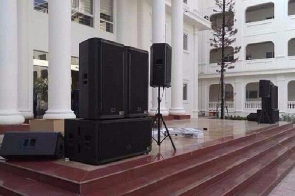 âm thanh sân khấu giá 140 triệu