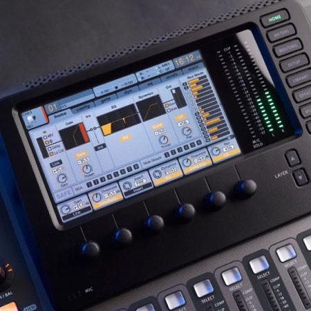 Thiết kế bên ngoài Mixer Behringer X32 EU
