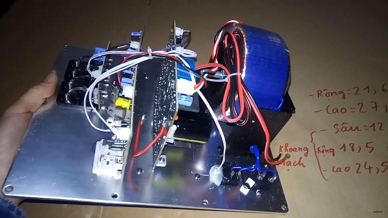 Chi tiết bảng mạch loa sub jbl 200W cho bass 25 và 30 tại Lạc Việt audio