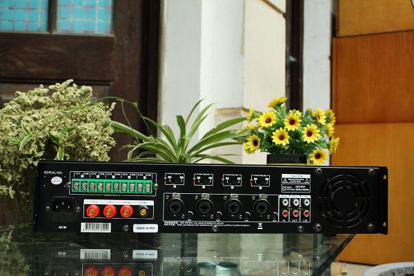 Mặt sau amply DB LP-100T