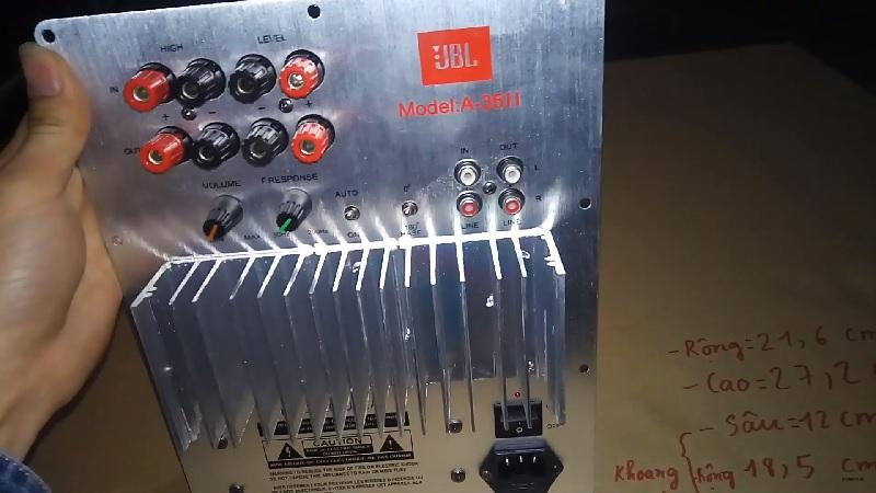 Mặt trước loa siêu trầm sử dụng mạch JBL 200W