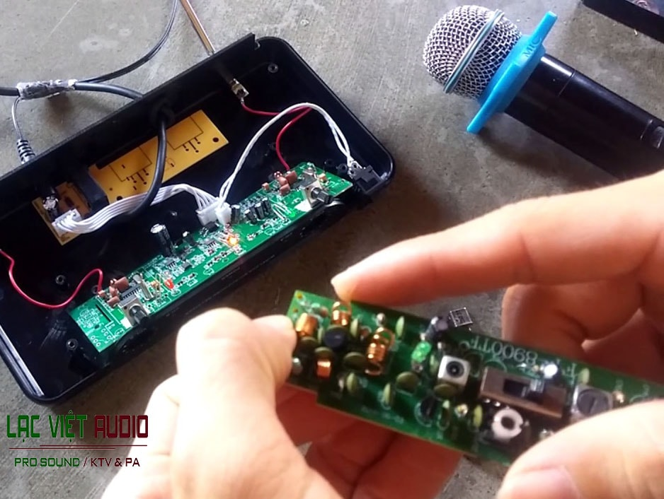 cách sửa micro không dây mất sóng