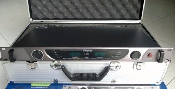 Mặt trước micro Shure U930