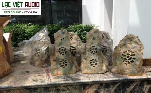 Mua sản phẩm loa sân vườn giả đá chính hãng giá rẻ tại Lạc Việt Audio