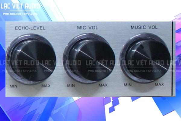 Vang cơ NEX FX8 trang bị các nút điều chỉnh echo, volume, mucsic